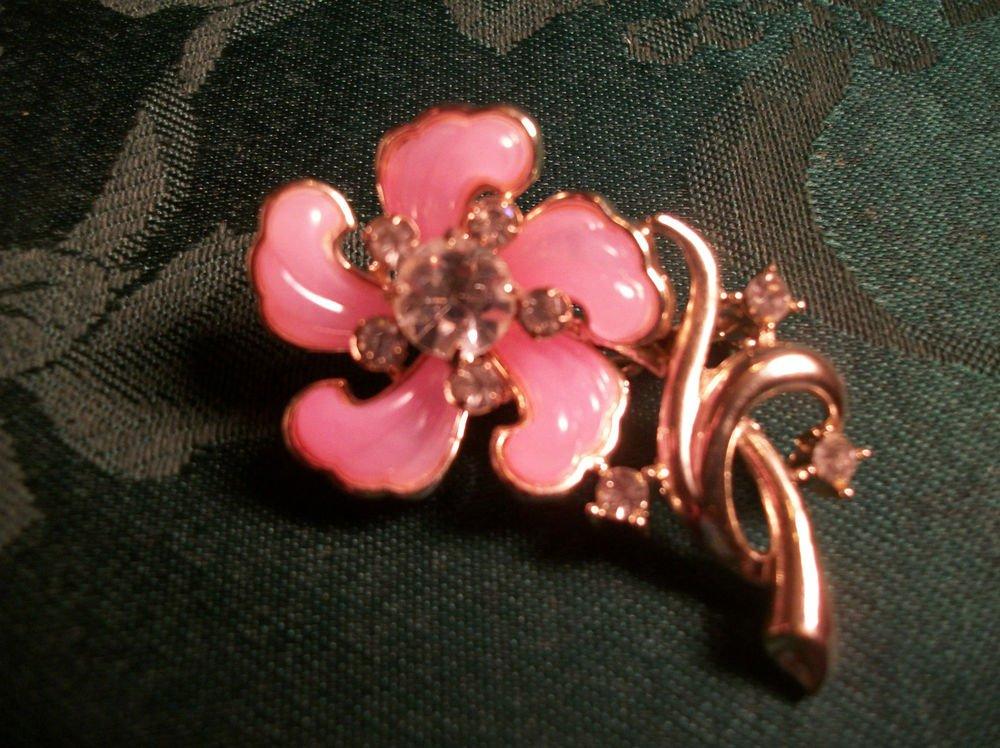 Vintage Jewelry Pink Petal and Rhinestones Flower Brooch Gold Metal Floral Pin