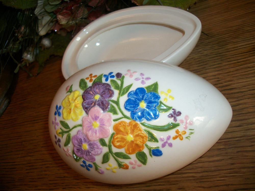 Ceramic Egg Trinket Box Covered Candy Dish Handpainted Florao Vintage Home Decor