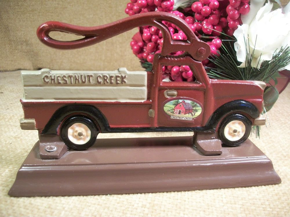 Wood Mounted Cast Metal Chestnut Creek Pick Up Truck Nutcracker Christmas Decor