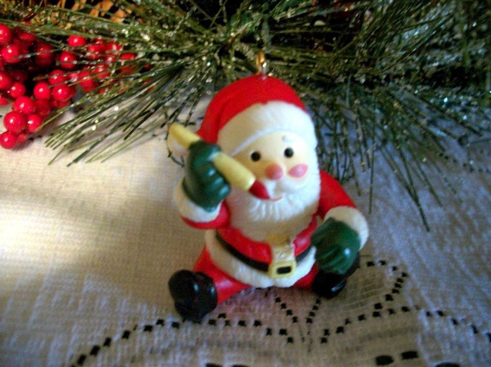 Santa Claus Christmas Tree Ornament Miniature Resin Figurine Holiday Decoration