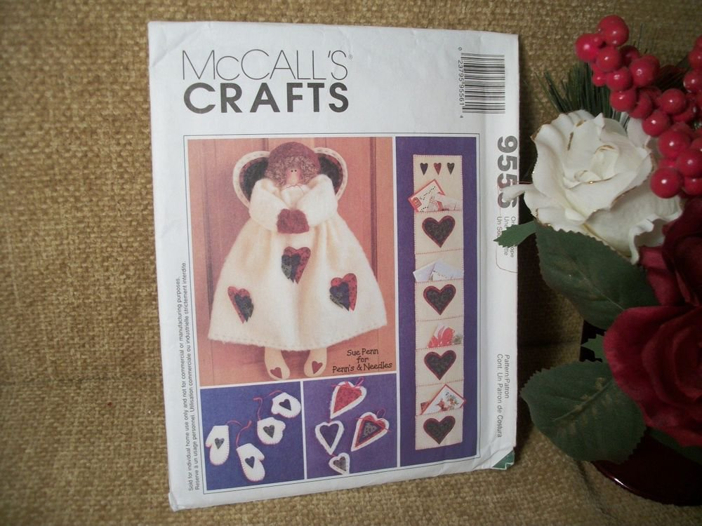 McCalls Christmas Crafts Pattern 9557 Angel Card Holder Heart Ornaments Mittens