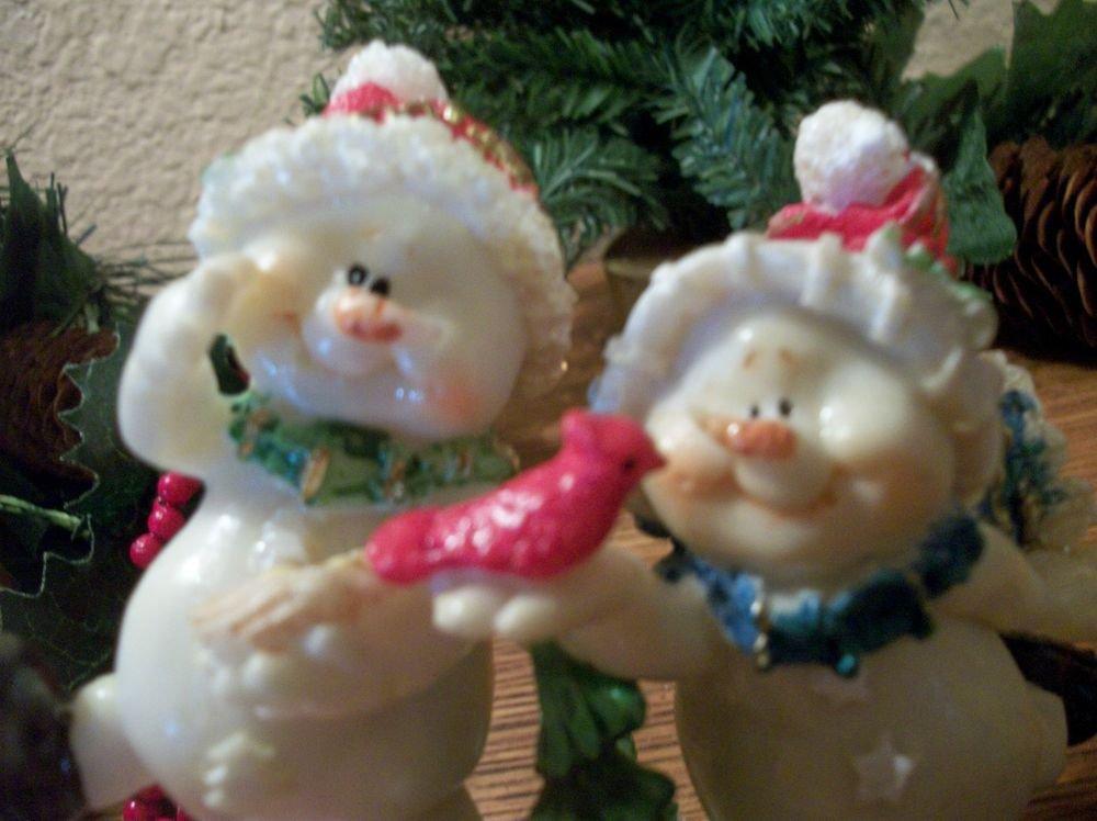 Two Snowman and Red Bird Bobble Leg Figurines Christmas Winter Home Decor