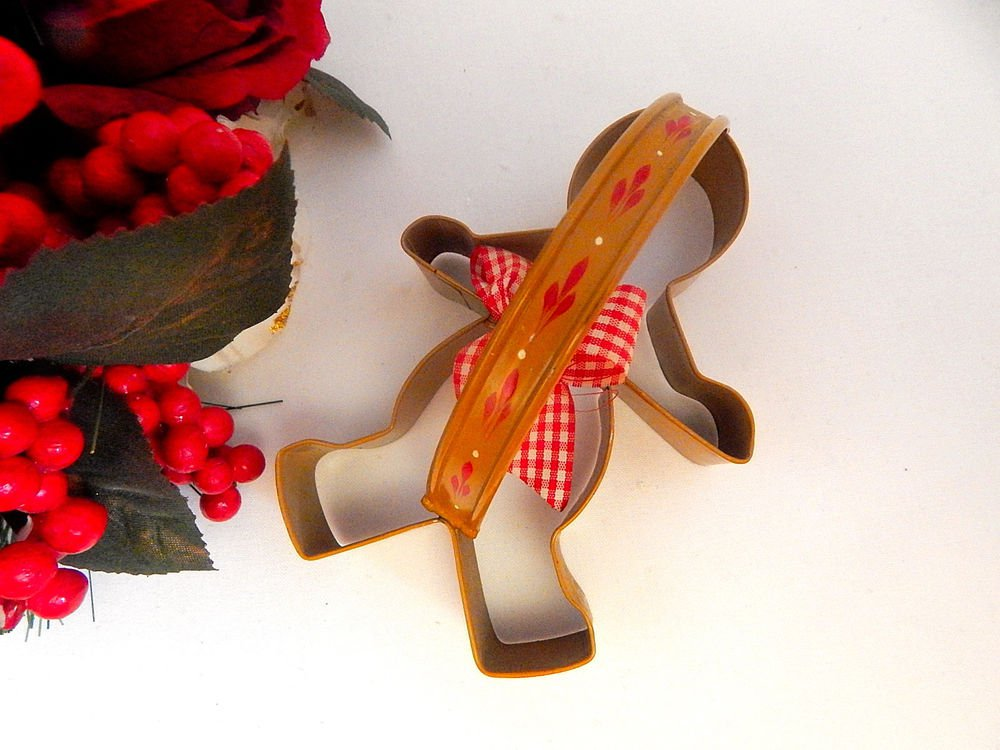 Gingerbread Man Cookie Cutter Handpainted Metal Christmas Decoration Baking Tool