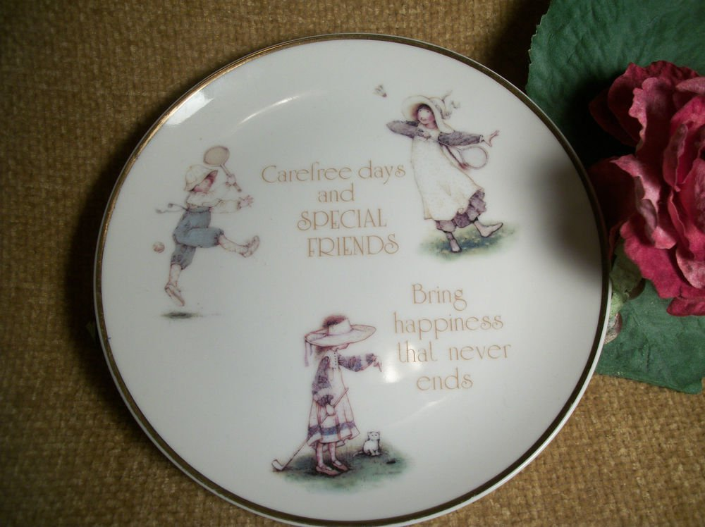 Porcelain Plate Lasting Memories Special Friends Wall Hanging VTG Home Decor