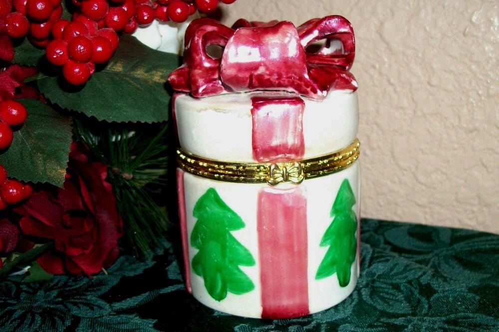 Christmas Gift Box Trinket Ring Jewelry Storage Hand Painted Ceramic Present