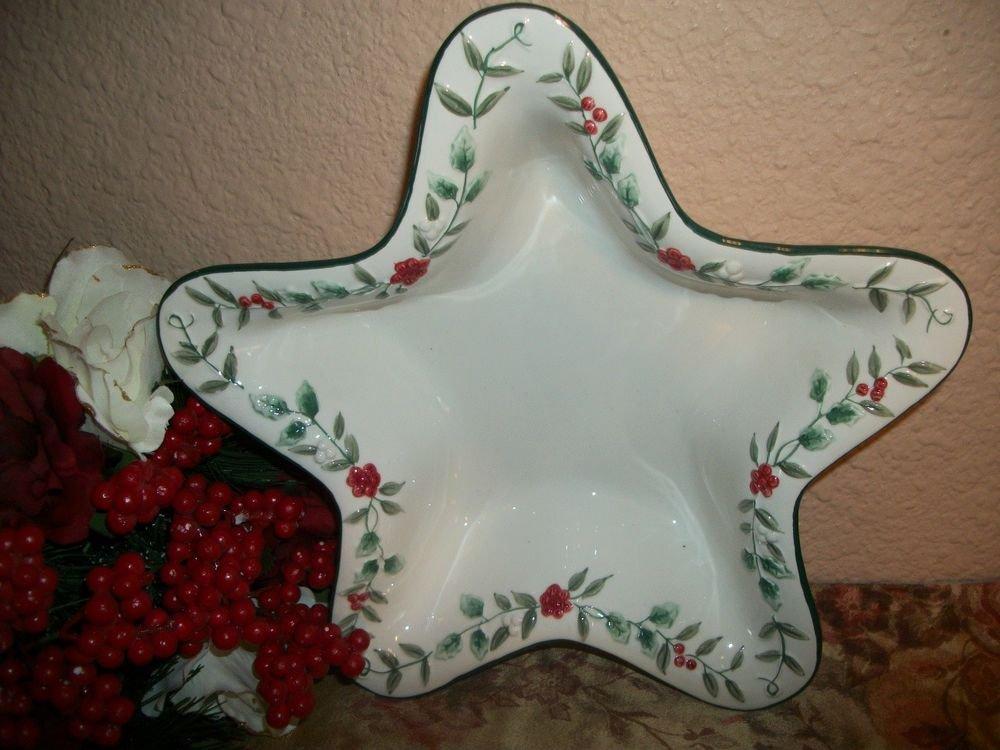Pfaltzgraff Winterberry Christmas Serving Bowl White Ceramic Star Holly Dish