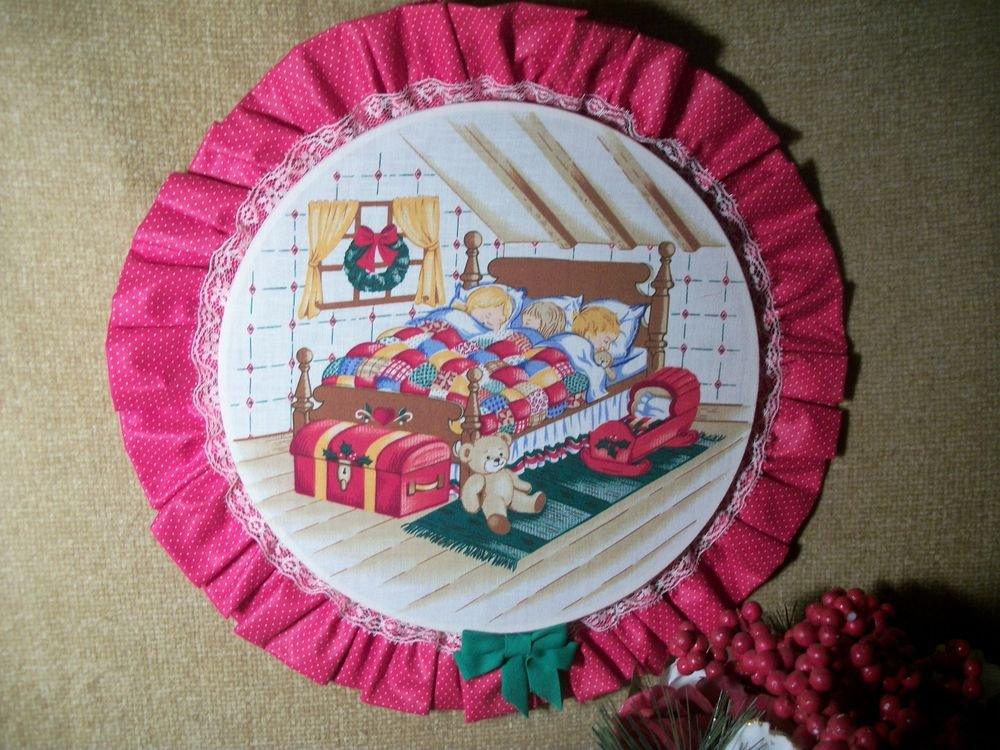 Christmas Fabric Hoop Wall Hanging Childrens Room Decoration VTG Handmade Kitsch