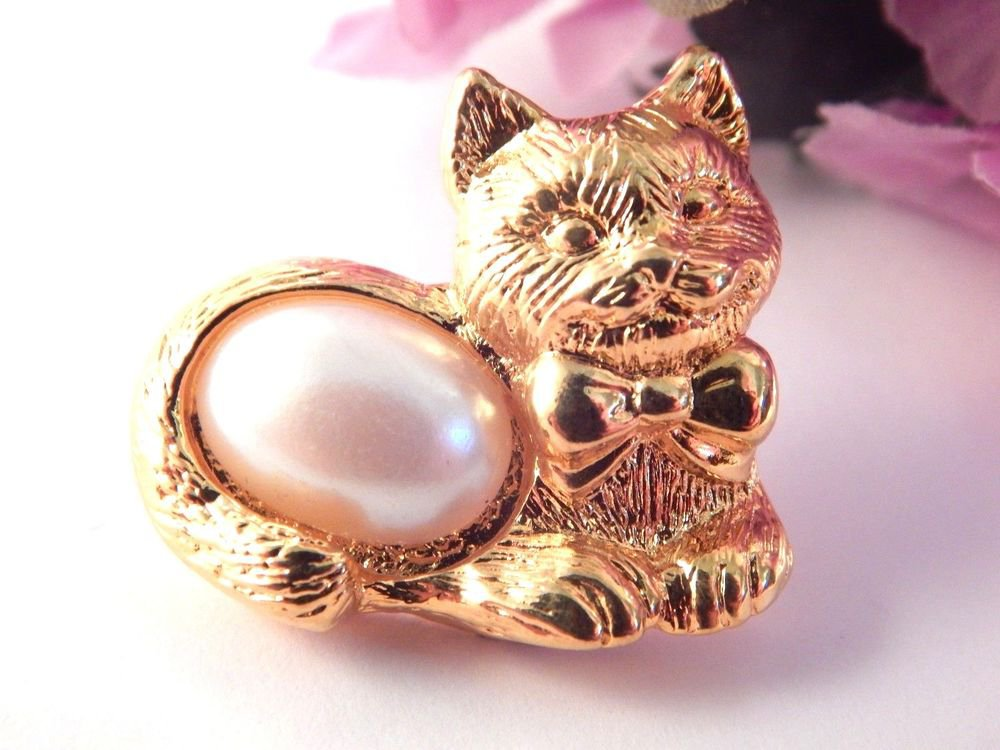 Cat Brooch Kitten Feline Lapel Tack Hat Pin Gold Metal AVON VTG Fashion Jewelry