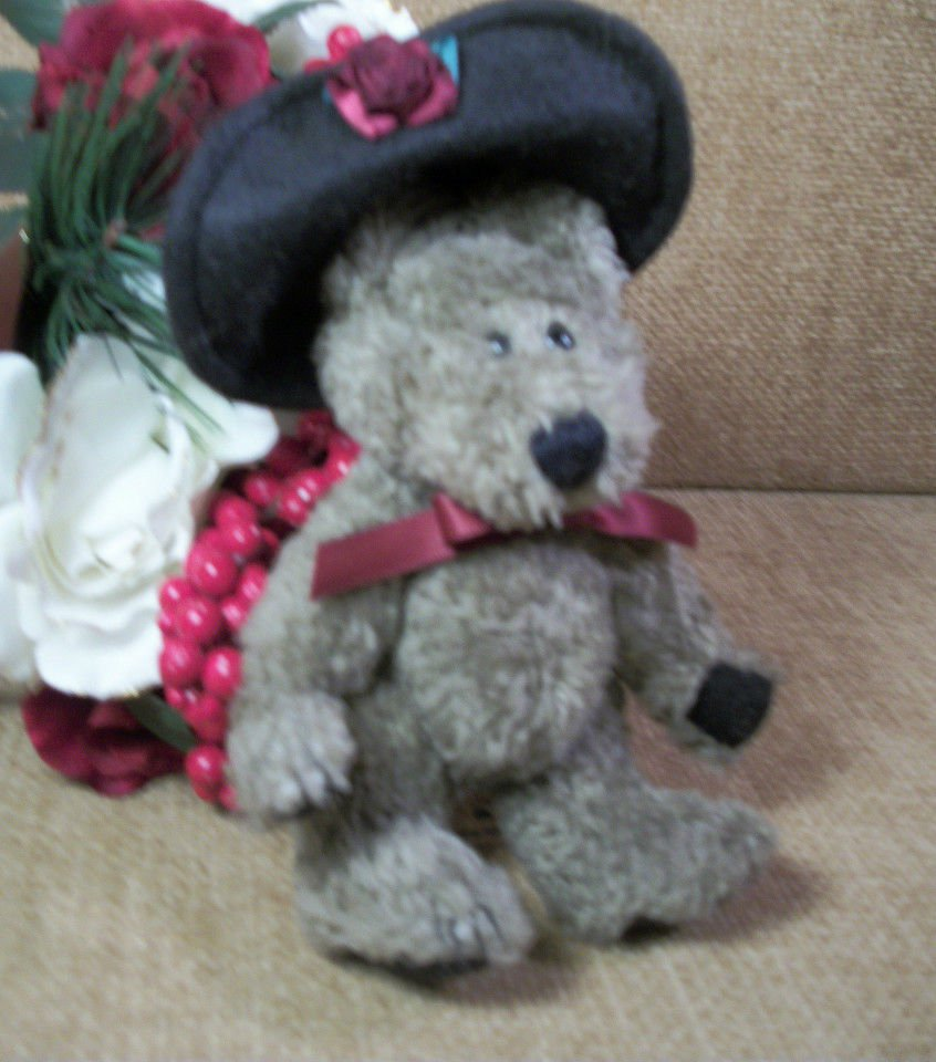 """BOYDS Bear 6"""" Brown Plush Stuffed Animal with Felt Hat Investment Collectible"""