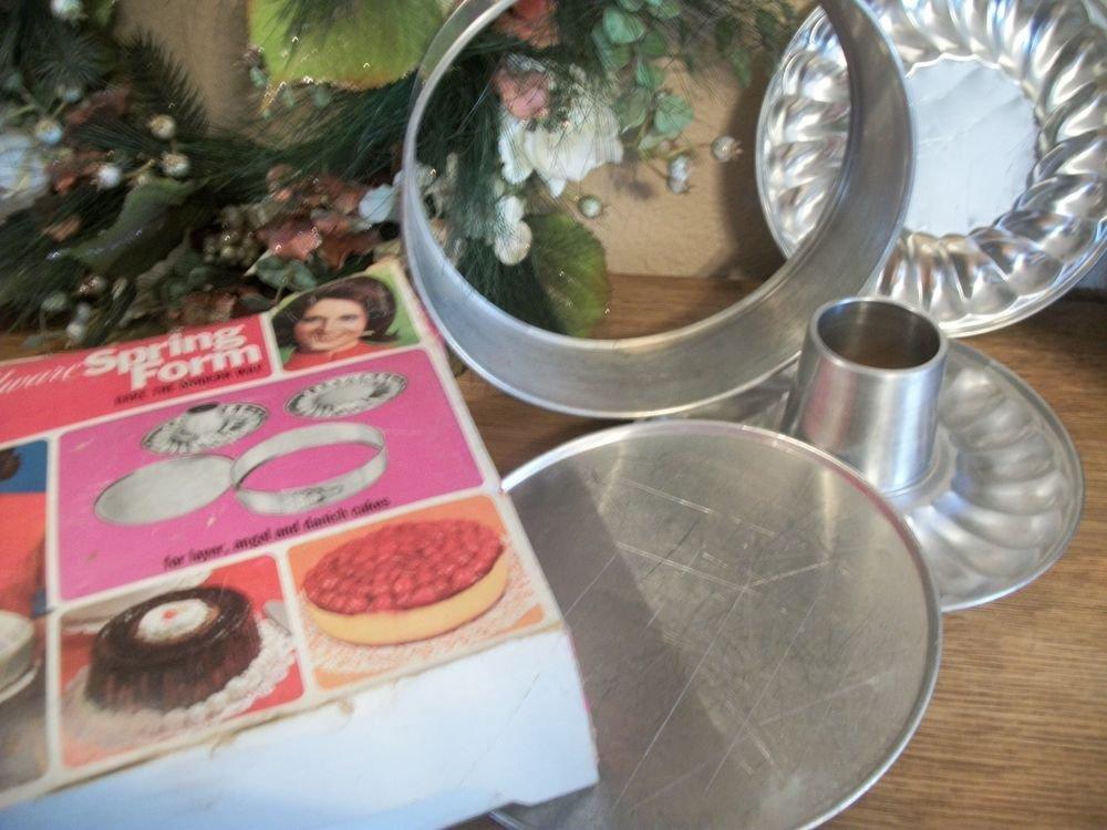 VTG Bakeware Hillware Spring Form Pan Set 10 Inch Aluminum Molds Baking Set