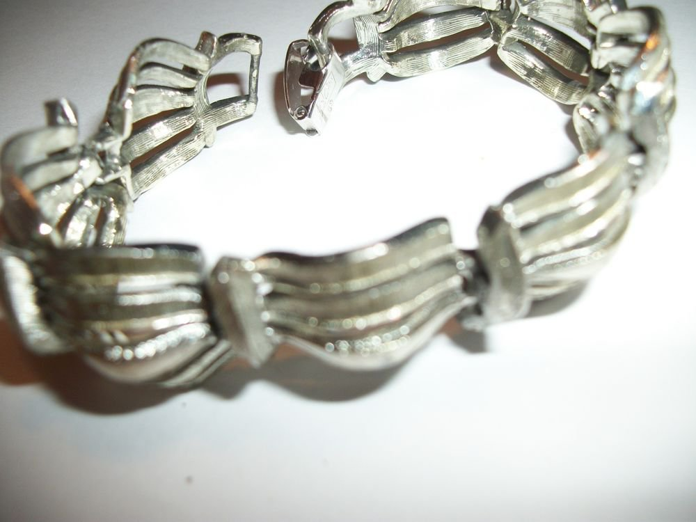 Bracelet Coro Pesagus Silver Metal Bangle Mid Century VTG Signed Jewelry