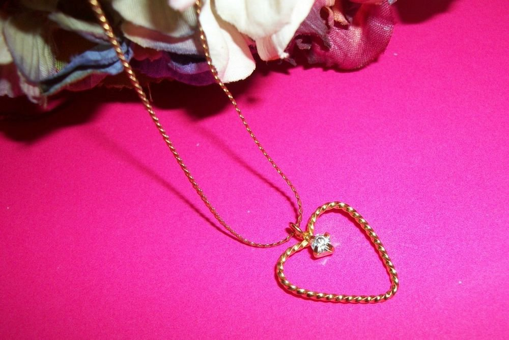 Heart Pendant Gold Metal CZ Necklace Serpentine Chain VTG Costume Jewelry