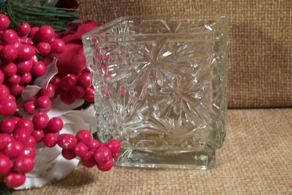 Avon Winter Lights Glass Candle Holder Snowflake Design VTG Christmas Home Decor