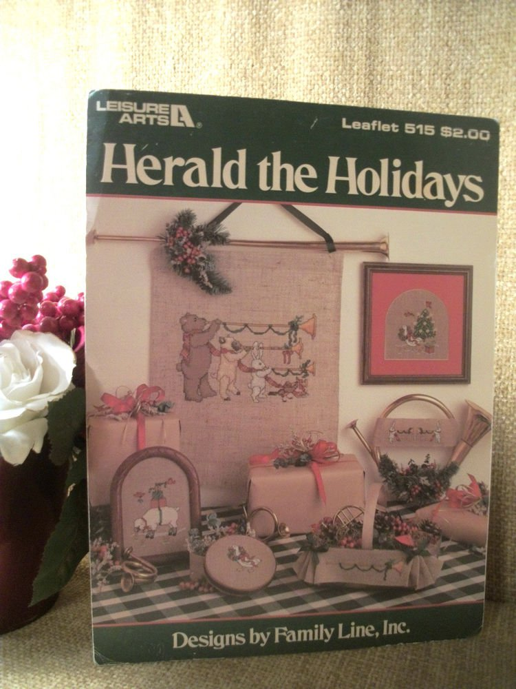 Herald the Holidays Christmas Animals Leisure Arts Family Cross Stitch Patterns