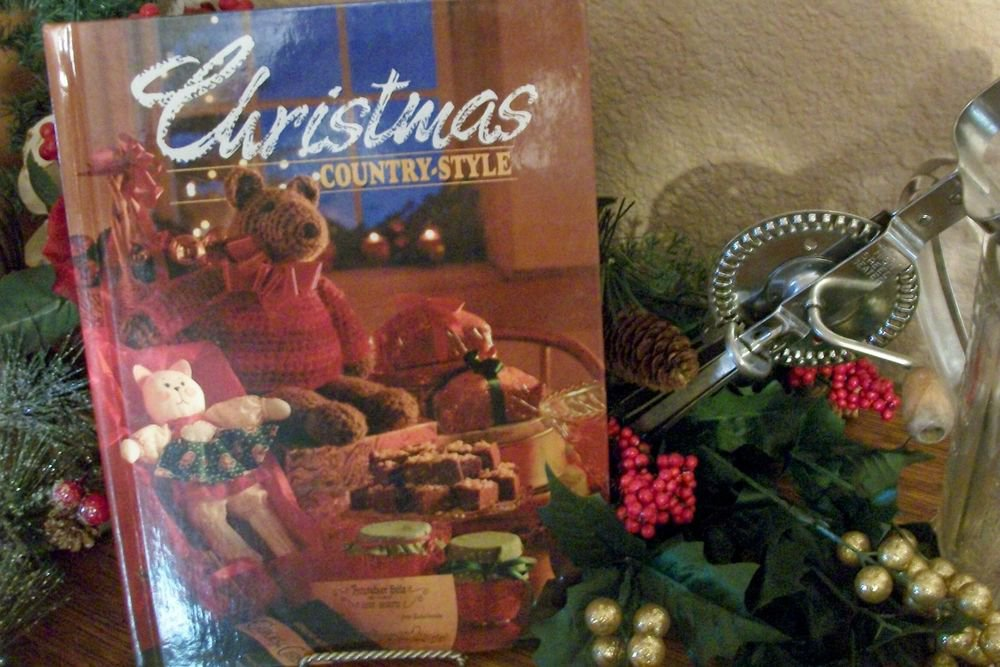 Christmas Counrty Style Cookbook Decorating Holiday Ideas Crafts Gifts VTG 1991