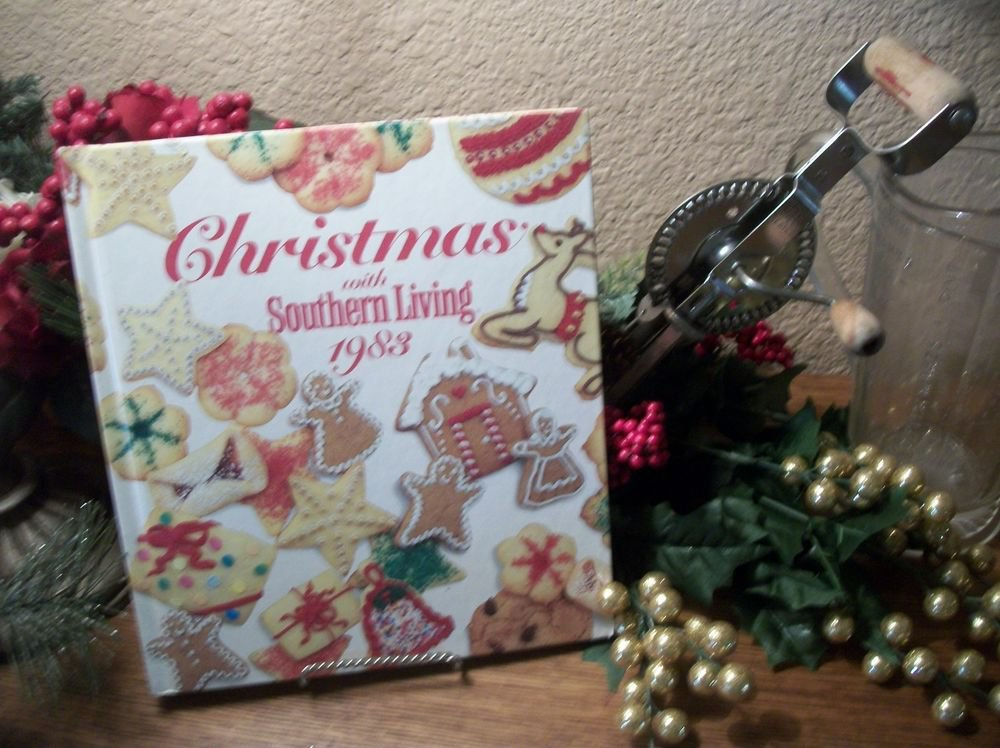 Christmas with Southern Living Cookbook Recipes Decorating Crafts VTG 1983 Book