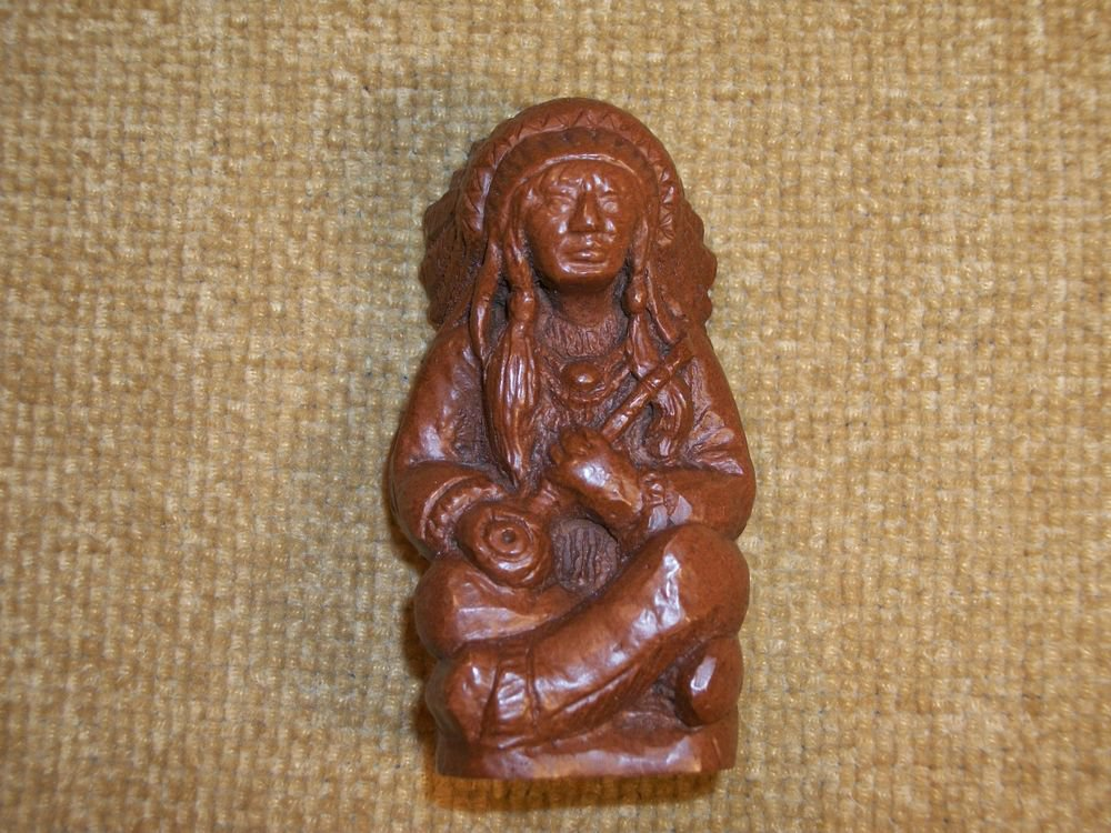 RARE VTG Red Mill Mfg Pecan Wood Figurine American Indian Chief Sitting w/ Pipe