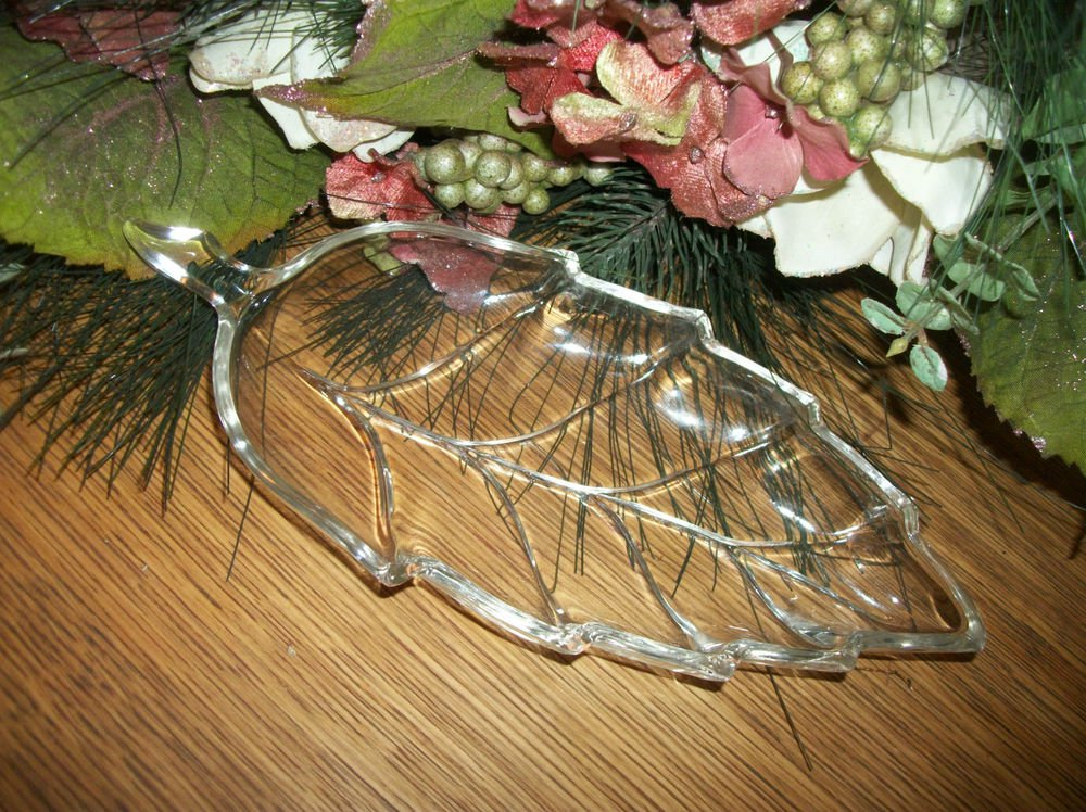 Clear Glass Fall Leaf Serving Dish Nut Candy Relish Tray VTG Tableware