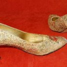 Futuristic Vintage 70s Hitsman Pumps Burlap Flower Sculpted Gold Heel Shoes 6M