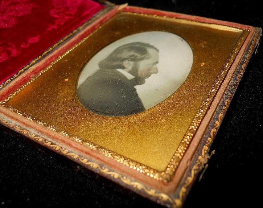 1/6 Daguerreotype Bearded Man Profile Milky Vignette Cased Romantic Portrait