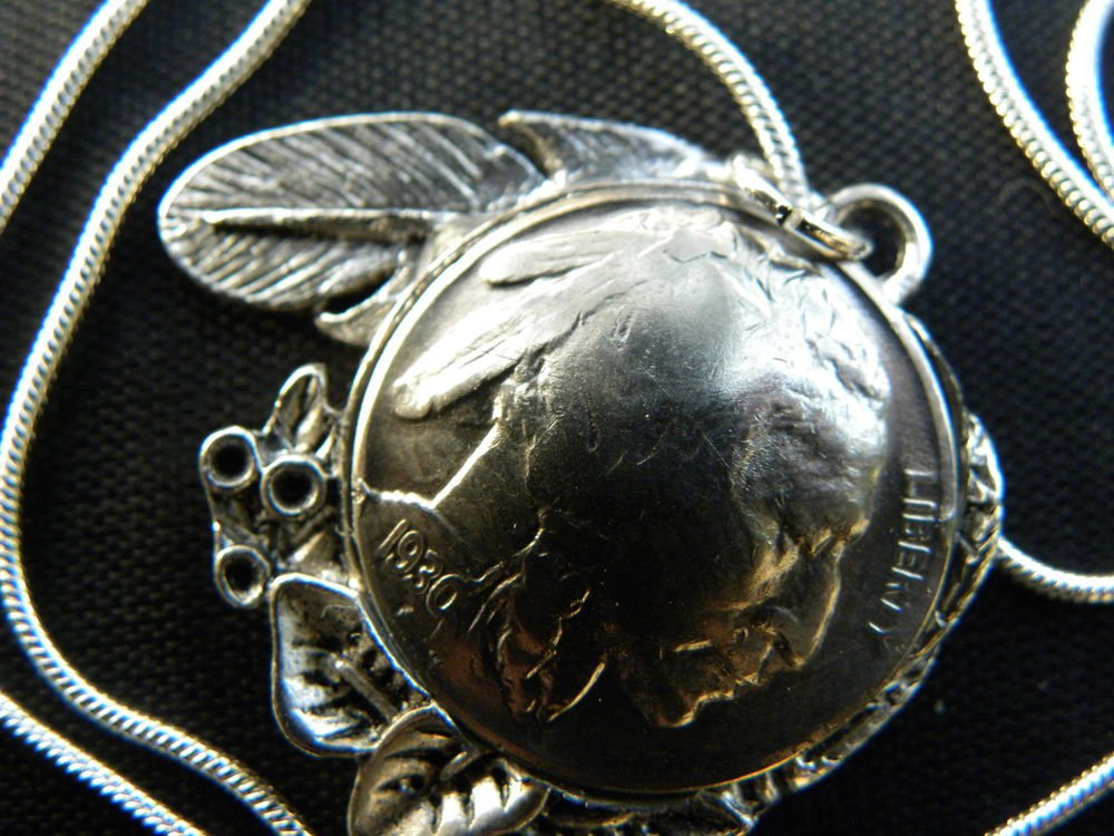 Vintage Handcrafted Artisan Necklace1930 US Real Buffalo Indian Nickel coin