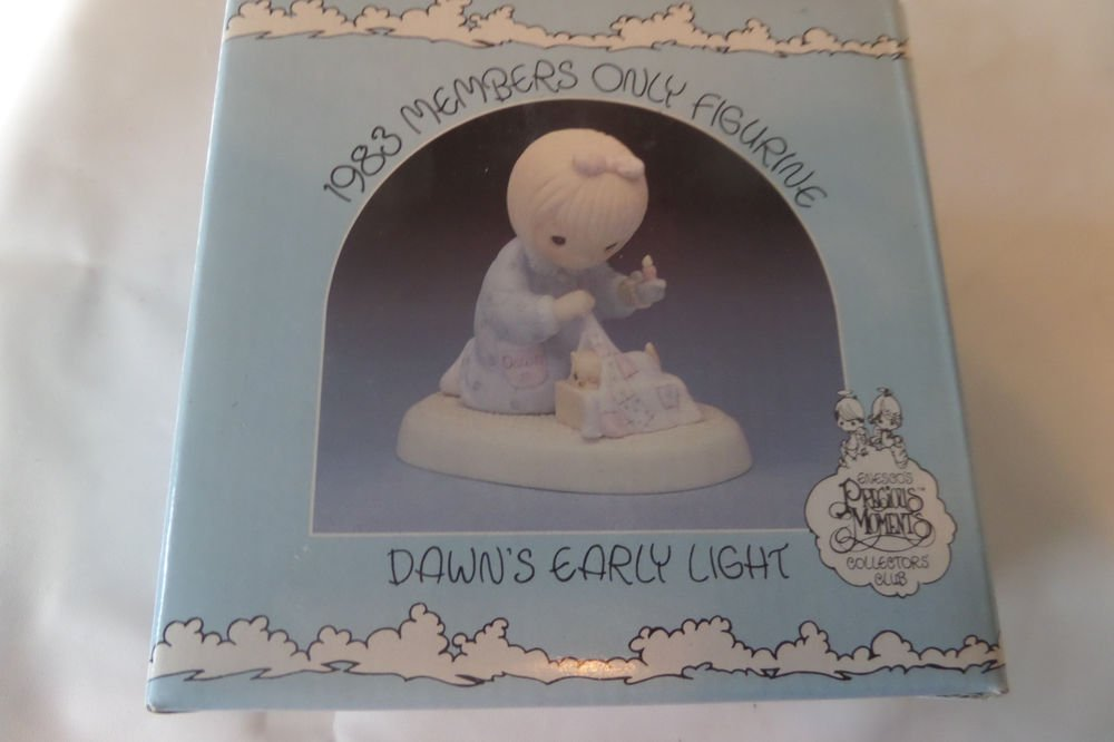 Precious Moments 1983 Members only Figurine Dawn's Early Light PM-831