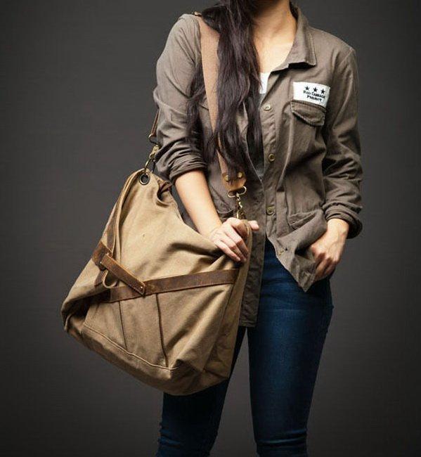 6a. MESSENGER I� Canvas & Leather shoulder bag messenger. Khaki. FREE DELIVERY