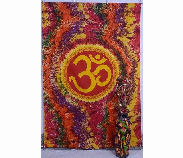 "INDIAN ""OM"" WALL HANGING TYE&DYE TAPESTRY COVERLET BEDSPREAD HOME DECOR CURTAIN"