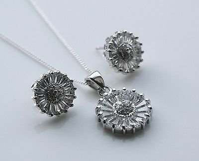 GORGEOUS STERLING SILVER BAGUETTE CUT CZ FLOWER EARRINGS & PENDANT SET