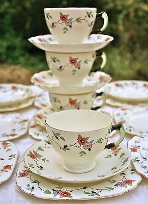 ROYAL TUSCAN c1920�S ART DECO HANDPAINTED FLORAL SET 4 CUPS, 6 SAUCERS, 9 PLATES