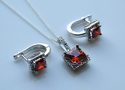 STERLING SILVER 2.86CT PRINCESS CUT GARNET CZ EARRING & PENDANT SET