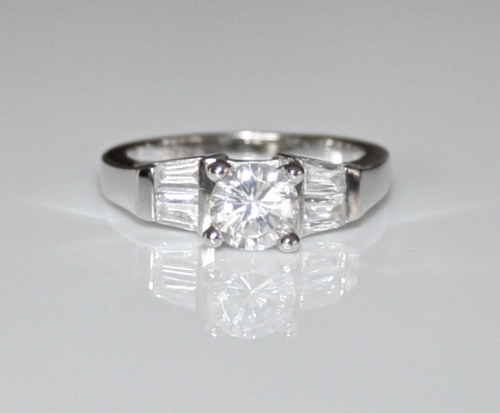 STERLING SILVER 6MM 0.75CT CZ SOLITAIRE RING SIZE Q *IMPERFECT*