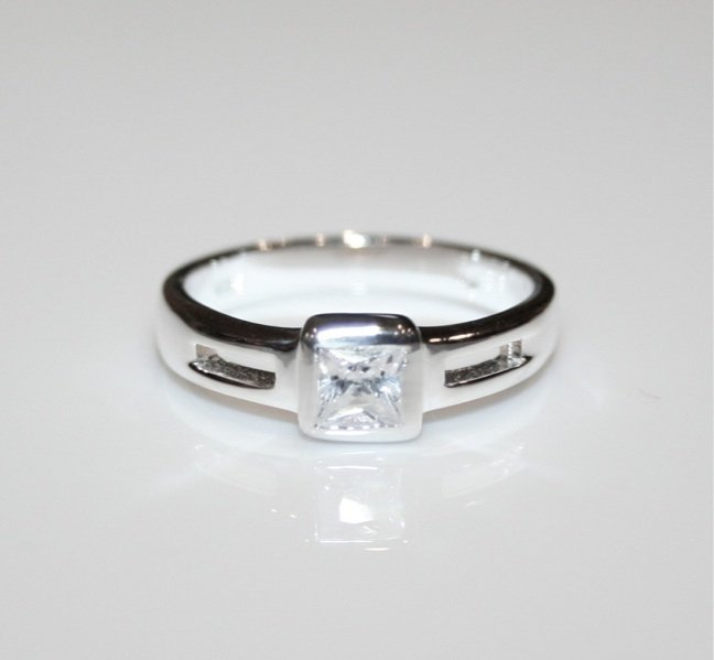 STERLING SILVER 4.5MM 0.40CT PRINCESS CUT CZ RING SIZE P