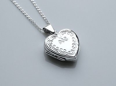 27MM X 20MM STERLING SILVER REVERSIBLE ENGRAVED HEART LOCKET & CHAIN
