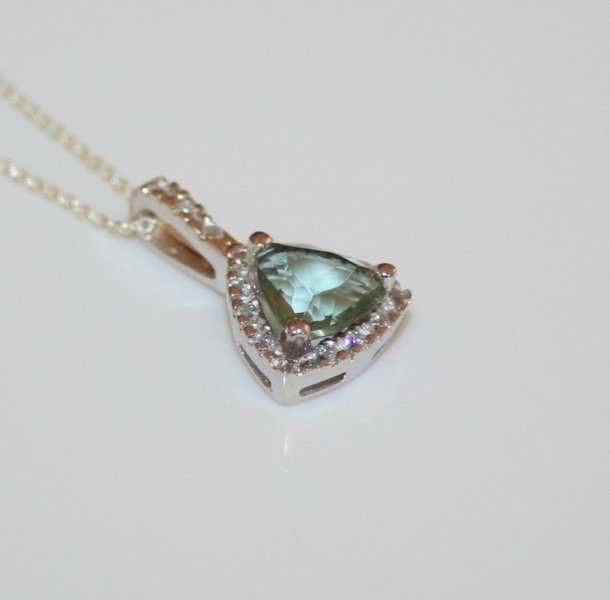 PRETTY STERLING SILVER 8MM CZ TOURMALINE PENDANT & CHAIN
