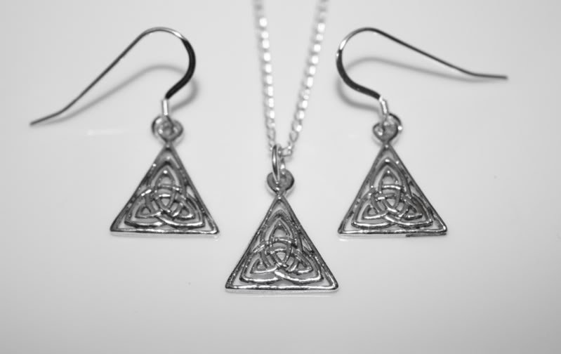 HANDCRAFTED STERLING SILVER CELTIC KNOT EARRINGS & PENDANT SET