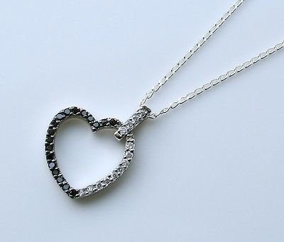 GORGEOUS 925 STERLING SILVER CZ HEART PENDANT & CHAIN