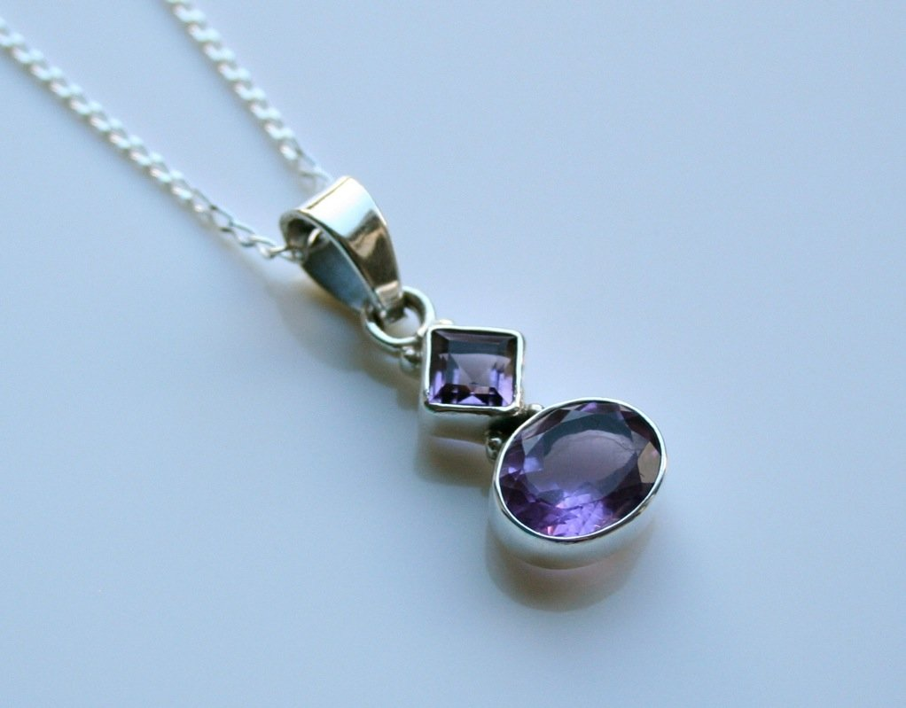 HANDCRAFTED STERLING SILVER  FACETED AMETHYST GEMSTONE PENDANT & CHAIN