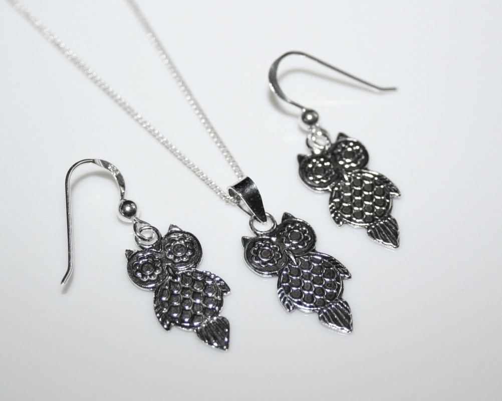 STERLING SILVER ENGRAVED SMALL OWL DROP EARRINGS, PENDANT AND CHAIN