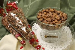 CINNAMON ROASTED ALMONDS 8 oz GIFT CONES FRESH TASTY