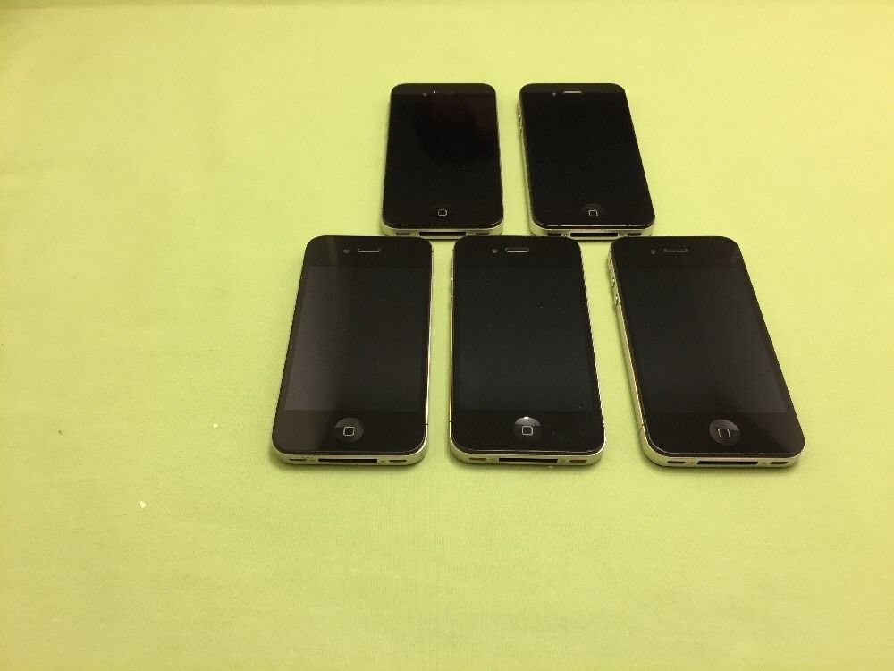 Apple iPhone 4- 8GB - Black (Verizon) Smartphone **Read Description**
