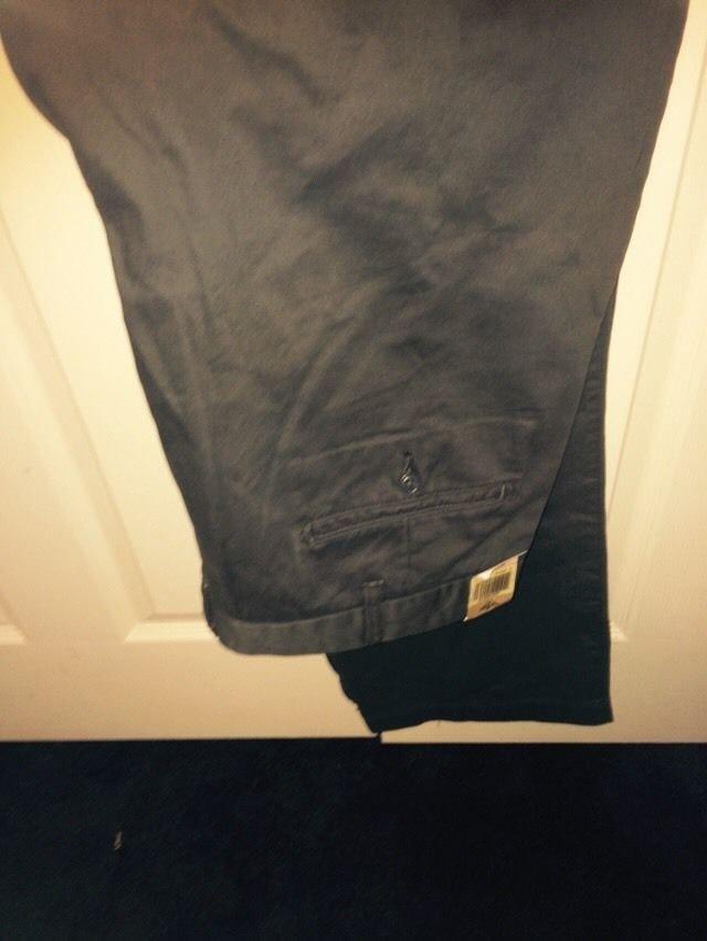 Dockers Classic Fit Grey Size 40 X 30  Khaki Pants