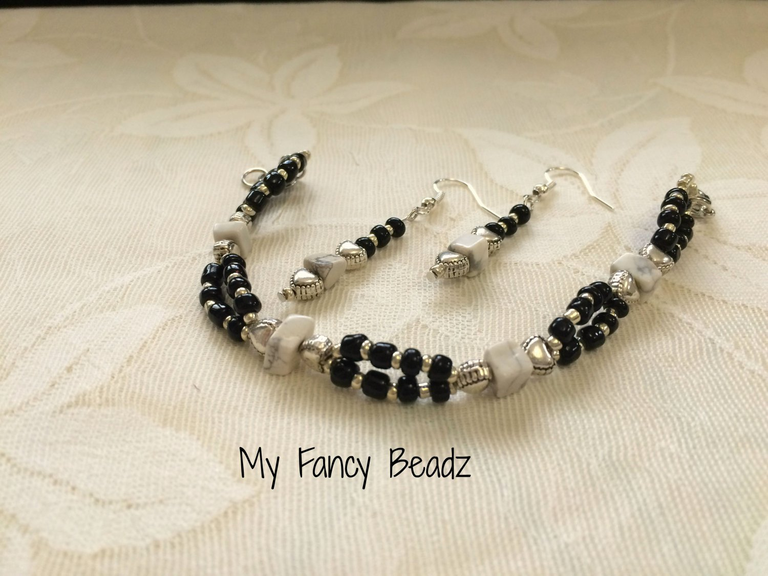 Black & White gemstone Bracelet and Earrings Set