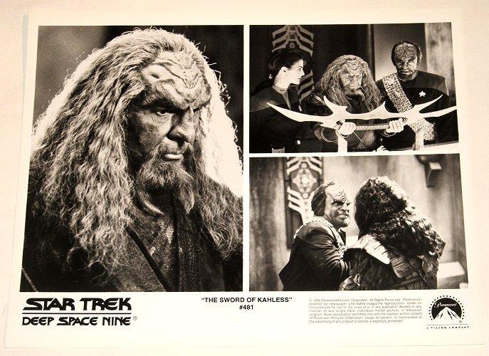 """STAR TREK : DEEP SPACE NINE : Show 481 """"The Sword Of Kahless"""" 2x publicity photos"""