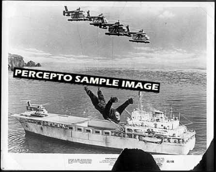 KING KONG ESCAPES ~ Orig '68 TOHO Movie Photo ~ KONG AIRLIFT