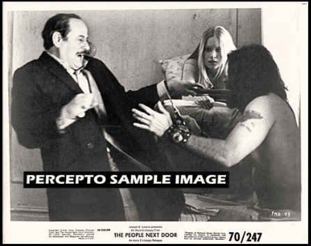 PEOPLE NEXT DOOR ~ Orig '70 Movie Photo ~ ELI WALLACH & Hippies