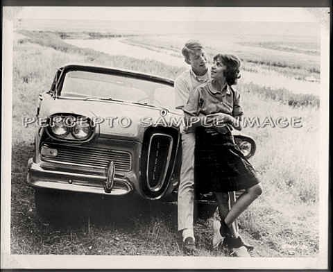 AMERICAN GRAFFITI - Orig '73 Classic Movie Photo - Ron HOWARD / Cindy WILLIAMS / EDSEL AUTO