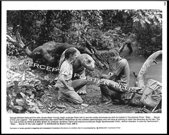 BABY Secret of The Lost Legend ~ '85 DISNEY DINOSAUR Movie Photo ~ WILLIAM KATT / SEAN YOUNG