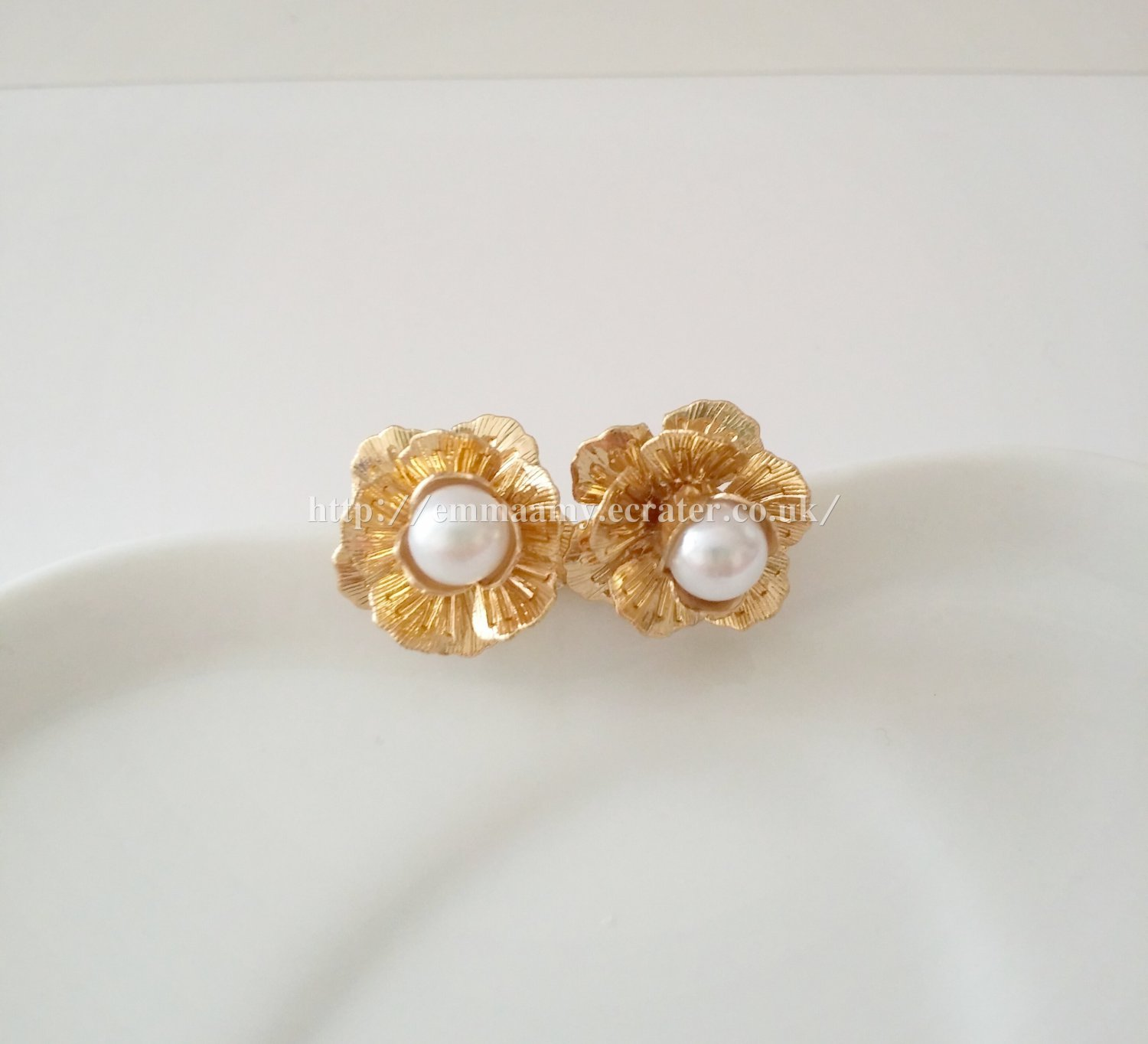 Gold Dimensional Flower Imitation Pearl Stud Earrings