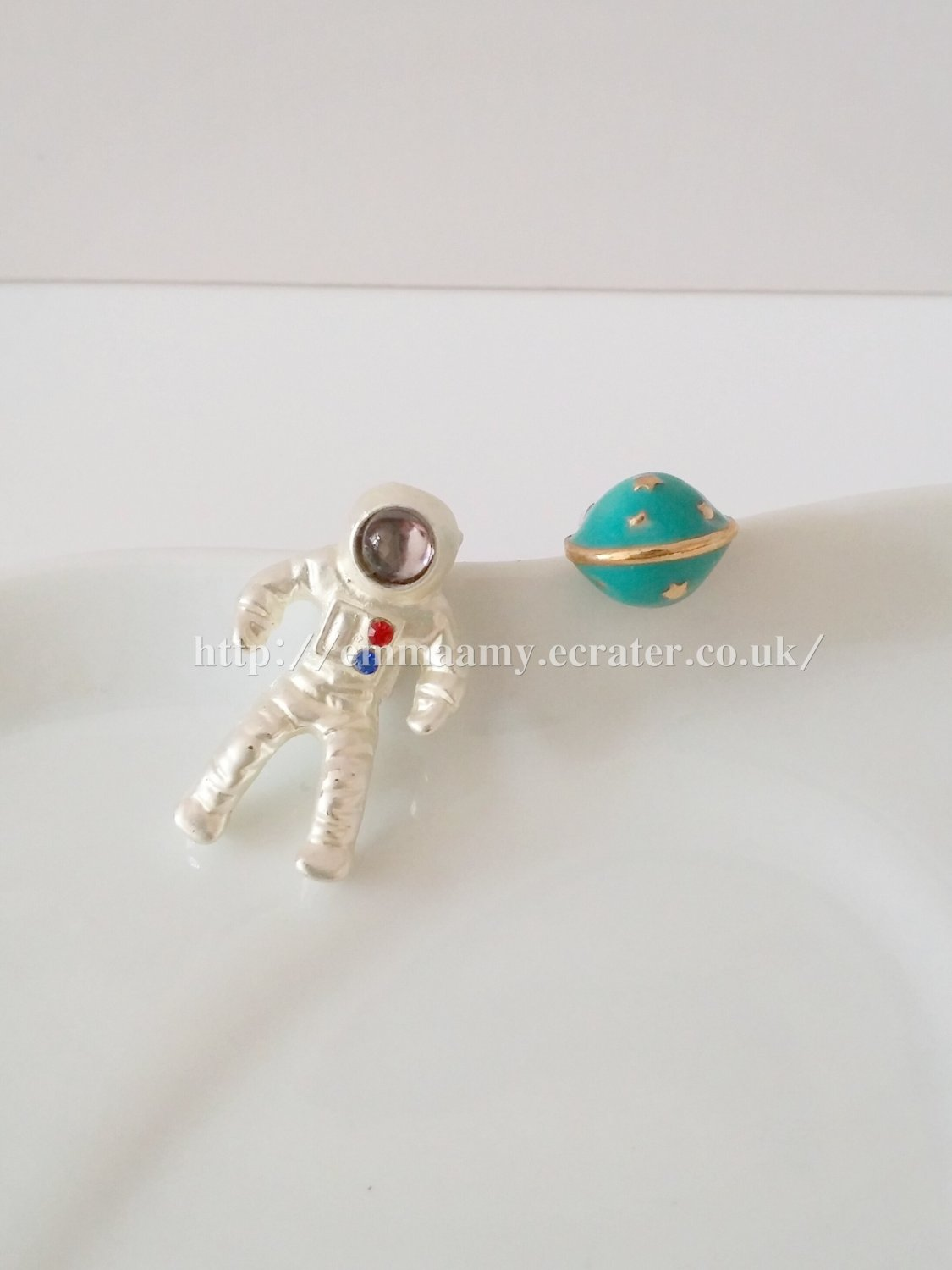 Astronaut planet universe Japanese Style Stud Earrings